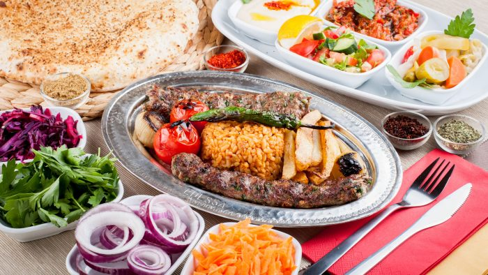 Descoperă gustul bucătăriei turcești la Edessa