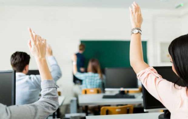 Rolul scolii in educatia copilului