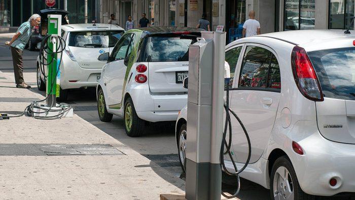 Cele mai ieftine mașini electrice pe care le poți cumpăra acum în România