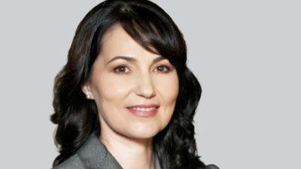 De la curaj, la atitudine: Provocările unei femei lider în România