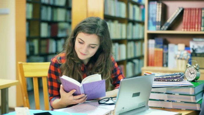 7 lucruri esenţiale pe care fiecare elev trebuie să le ia în calcul atunci când îşi alege specializarea pentru liceu