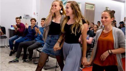 Trei adolescente din Cluj-Napoca au câştigat un concurs de start-up-uri