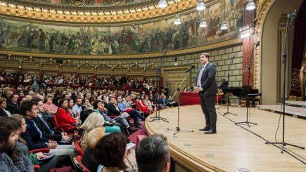 Un altfel de leadership: Tânărul care conduce Corul Național Madrigal la doar 27 de ani