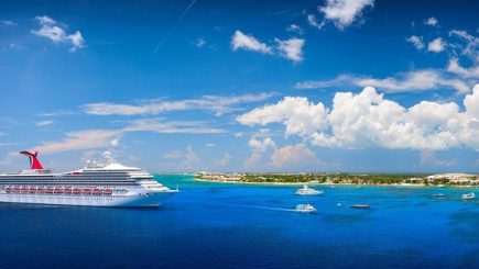Recompensă. 800 de angajați pleacă în Caraibe pe banii șefului
