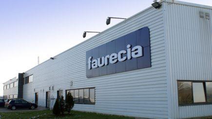 Grupul francez Faurecia angajează 600 de oameni în România