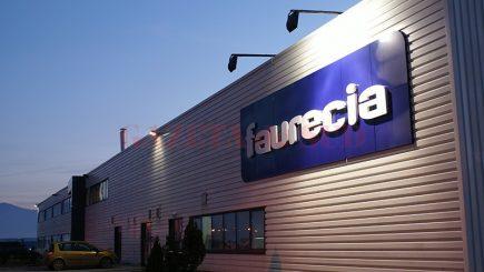 Locuri de muncă. De câți angajați e nevoie pentru noua fabrică de tapițerii auto de la Vâlcea