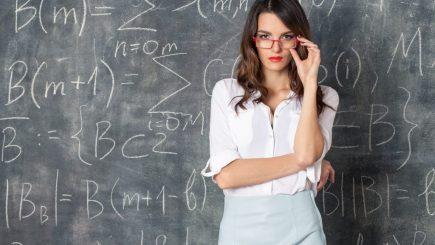 Studiu cu rezultate remarcabile: Când începe dragostea de știință la reprezentantele sexului frumos