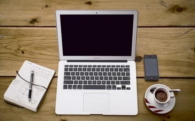 Cum îți poți înființa şi modifica o firmă din fața computerului