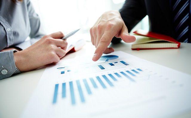 18% din totalul angajaţilor din mediul de afaceri lucrează în firme care înregistrează pierderi