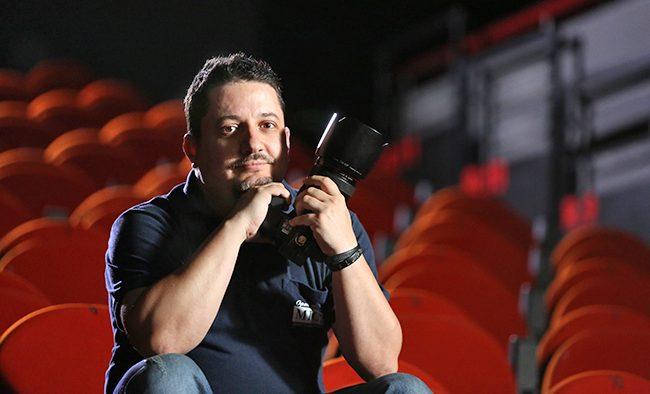 """Florin Ghioca: """"Fotograf de război"""" versus fotograf de teatru"""