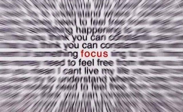 Vrei să îți îmbunătățești concentrarea? Observă, mai întâi, de ce și cum o pierzi