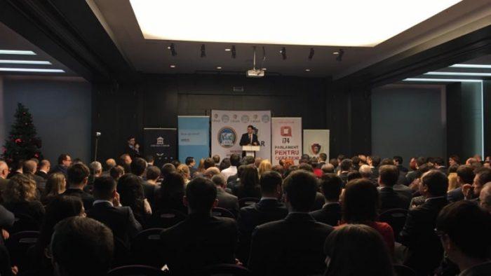 Sute de experți dezbat soluțiile pentru dezvoltarea României