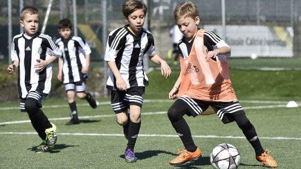 Experiență inedită pentru tinerii care visează la o carieră în fotbal