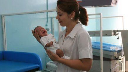 Mai multe drepturi pentru moașe, în Republica Moldova