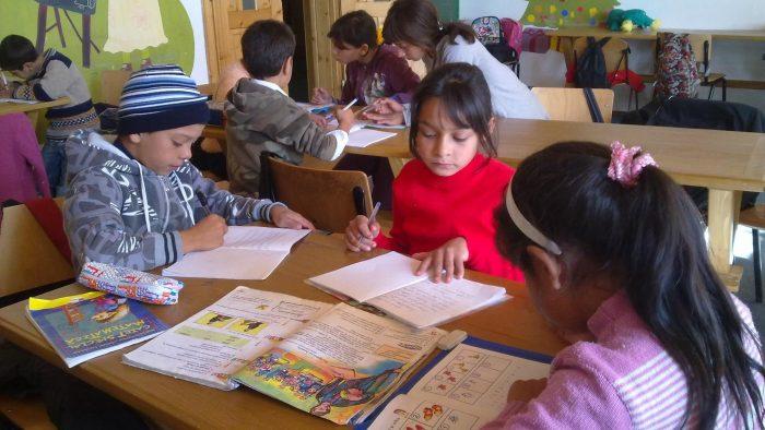 De 10 ani, FARA previne abandonul școlar în comunitățile sărace din Suceava