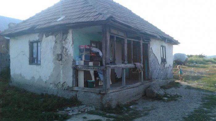 """""""Renovăm o casă, construim Acasă"""" pentru 10 comunități din sudul României"""