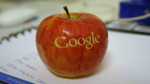 """În jocul inovaţiei, Google iese """"șifonat"""" din lupta cu Amazon"""