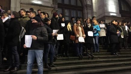 Magistrații și procurorii continuă protestele