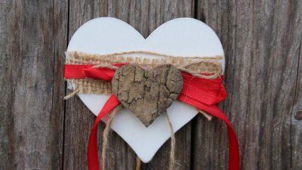 Studiu: 70% dintre români vor sărbători Dragobetele, iar cadourile costă între 50 şi 100 de lei