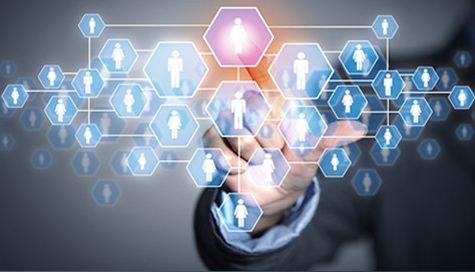 Reţelele de socializare pot ţine mai mult angajaţii în companii