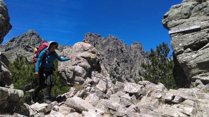 Cum s-a redescoperit o corporatistă din România prin trekking: Drumul către autocunoaştere şi depăşirea limitelor