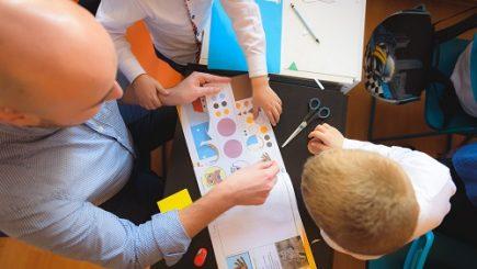 Cum putem ajuta copiii din centre de plasament să devină adulții responsabili şi independenţi de mâine