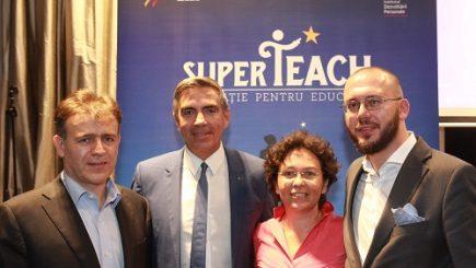 Sistemul de învăţământ demotivează profesorii din România: Program de mentorat pentru dascăli