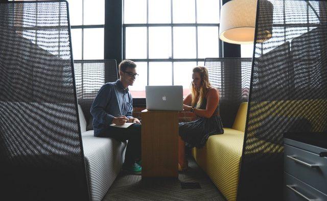 Vrei să faci o impresie bună la interviul de angajare? Iată câteva sfaturi de la şefa diviziei de HR de la Facebook