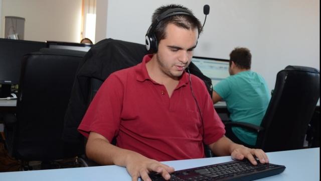 Specialist IT și...nevăzător: Povestea lui Ștefan Moisei sau cum totul este posibil dacă îți dorești