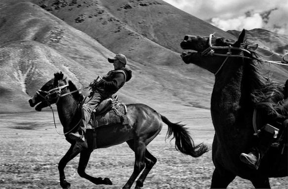Proiect fotografic inedit în Kârgâstan