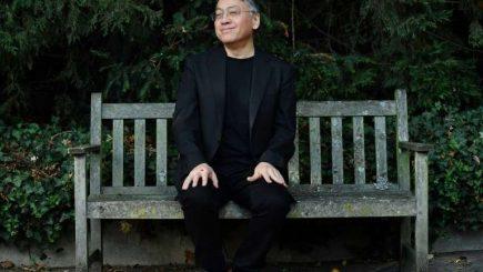 """Nobelul pentru Literatură. """"Cine e Kazuo Ishiguro?"""" – insistenta întrebare de pe Twitter a japonezilor are răspunsuri"""