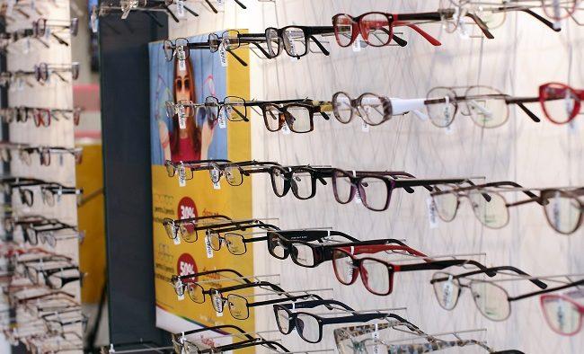 Un antreprenor din Galați a investit 150.000 de euro într-un magazin de optică