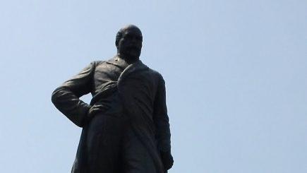 """""""Fii dar omul epocii; fă ca legea să înlocuiască arbitrarul; fă ca legea să fie tare"""". Unirea Mică – discursul lui Mihail Kogălniceanu"""
