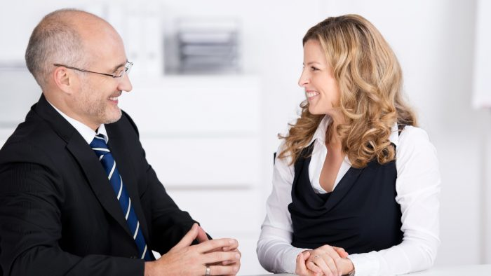 Angajamentul de coaching: cum îl sprijini pe client să acționeze, fără să îl hărțuiești?