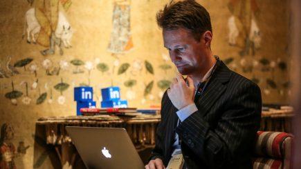 Ce caută angajatorii pe profilul tău de Linkedin