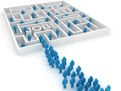 INS: Mai puține locuri de muncă în primul trimestru din 2015
