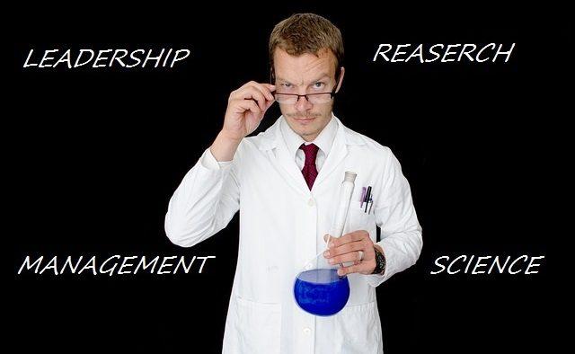 Managerii cu background ştiinţific sunt lideri mai buni?
