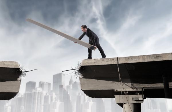 De la eșec la succes este doar un pas. Ești în stare să îl faci?