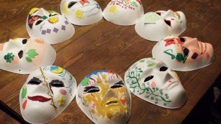 Tradițiile românești, vândute pe internet