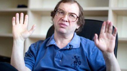 Piramidal: Omul din cauza căruia milioane de oameni din Rusia şi-au pierdut banii nu mai e