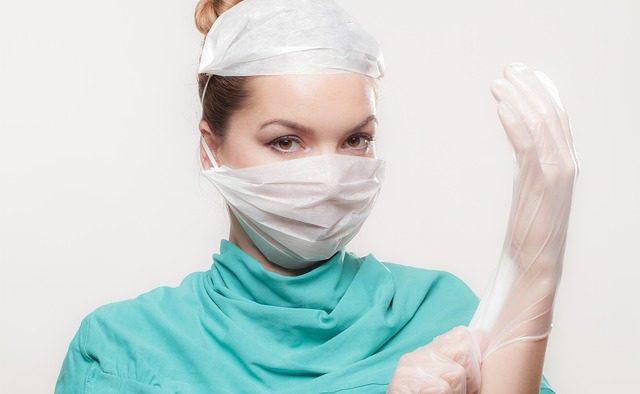 Numărul total al medicilor este în creștere, iar mai mult de două treimi sunt femei