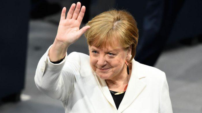 """""""Accept acest vot"""". Angela Merkel, realeasă la limită"""