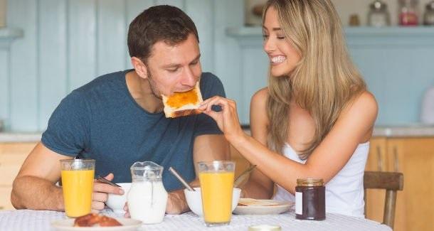 Poate vrei să știi, cum trebuie să te hrănești înainte de a pleca la job: micul dejun în 20 de țări