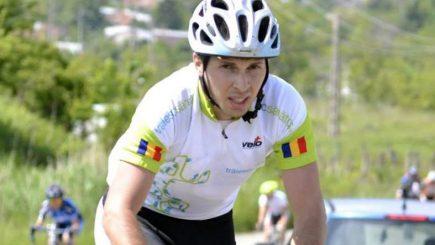 Primul român care participă la competiția internațională Ironman, triatlonistul Mihai Baractaru, la start