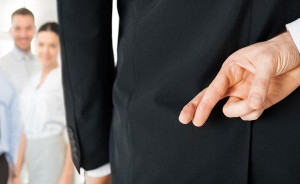 De ce își mint șefii angajații?