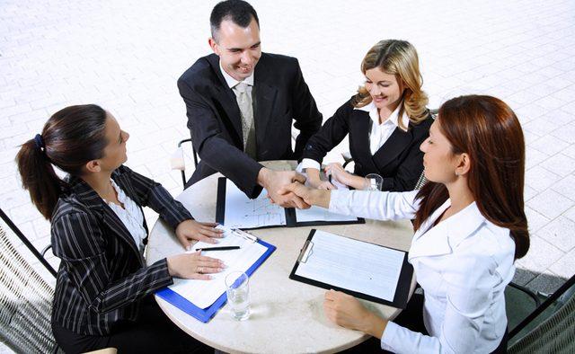 4 caracteristici ale unui lider care-şi implică şi motivează subordonaţii