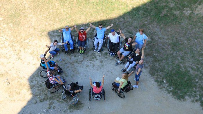 Cu dizabilitatea, în tabăra de incluziune socială și sport