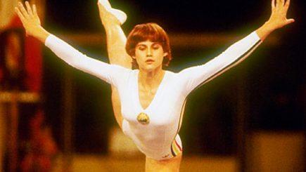 """The Times: """"Uimitor! Am cunoscut perfecţiunea. Numele ei este Nadia Comăneci"""". Cariera? Gimnastă"""