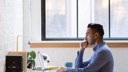 Merită să fii un angajat fidel? Poate fi mai avantajos să-ţi schimbi jobul, căci e posibil să primeşti un salariu mai mare