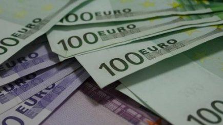 Cine deține datoria Greciei, de 312 miliarde euro?